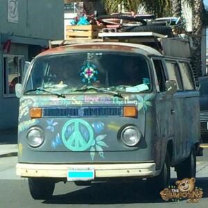 thekumachan_ocean_beach_hippie_van-1